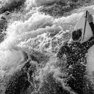 Florian Trojer auf dem Surfbrett
