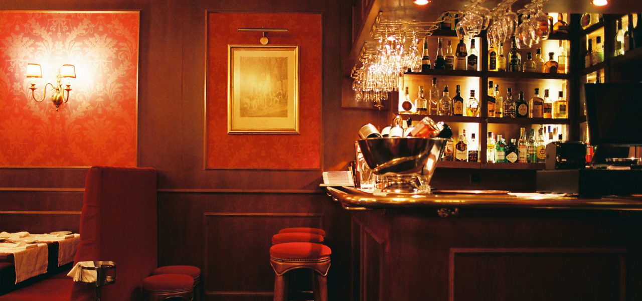 Bar mit Greg Long