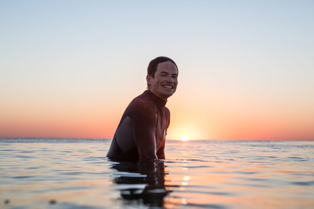 Albert auf seinen Surfbrett
