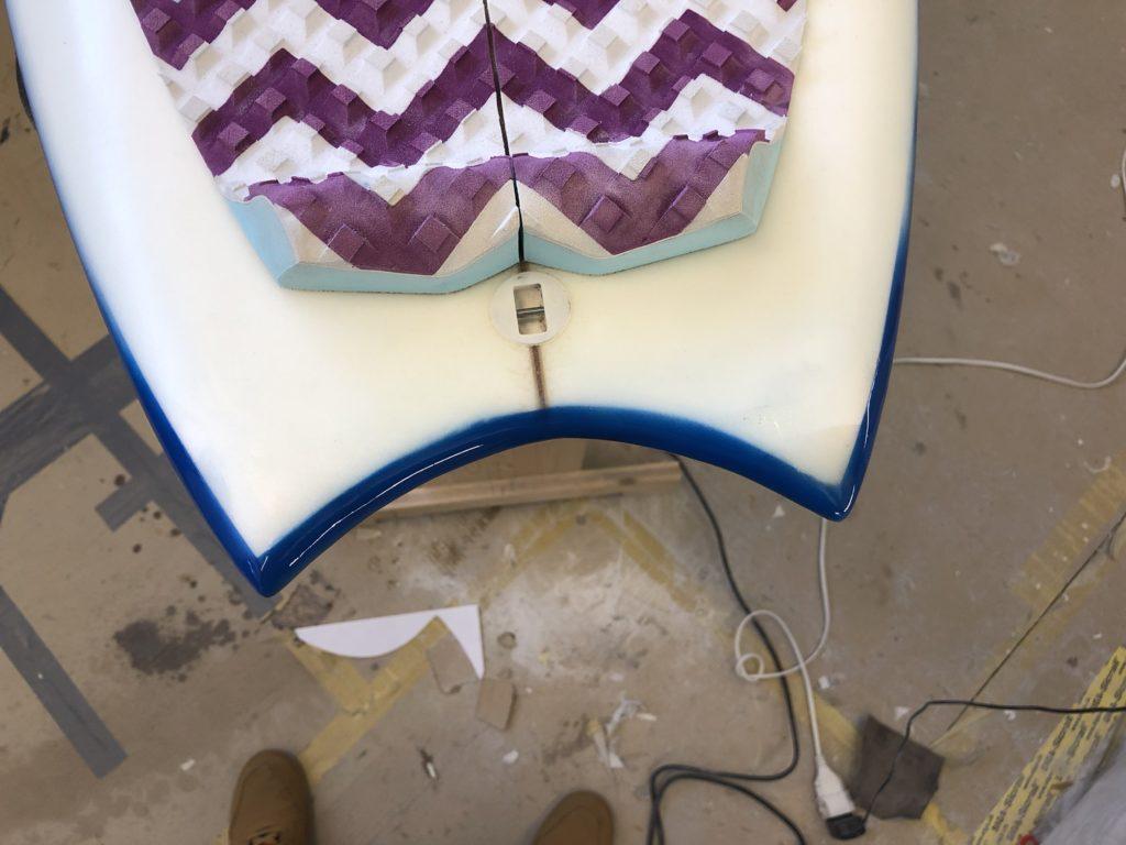 Repariertes Surfboard Tail