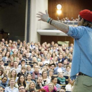 Nick Martin vor Publikum