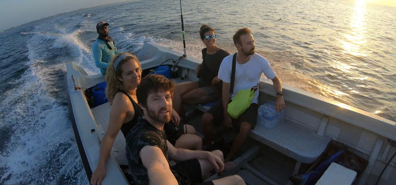 Simon auf einem Bootstrip
