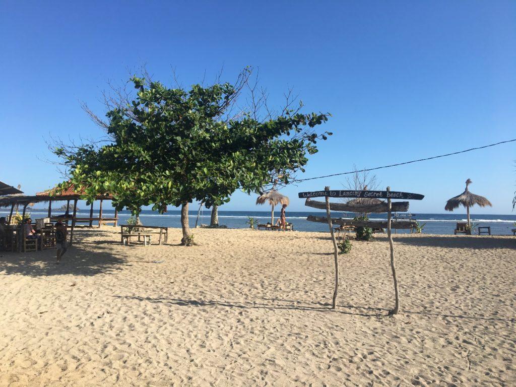 Sicht auf den Strand und das Meer