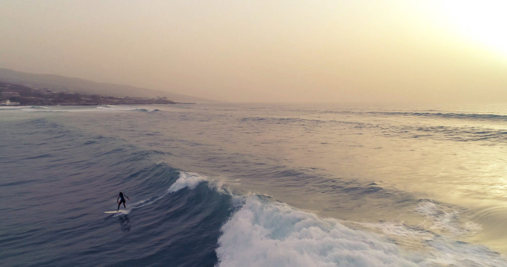 Elena Könz Surfing
