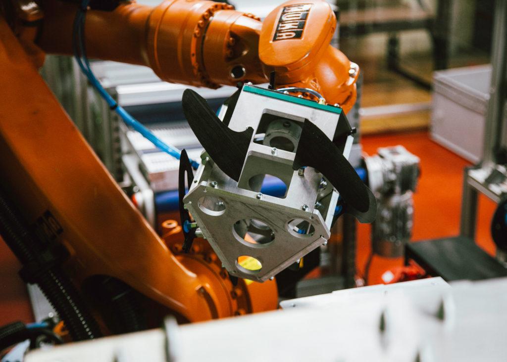 Roboter mit Finnen FCS2 H4 SWISS MADE