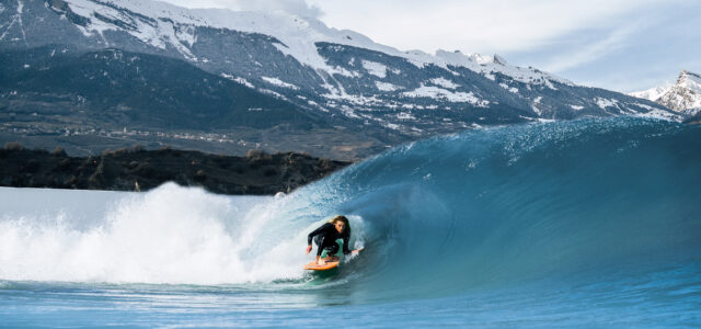 Barrel surfen bei Alaia