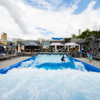 Swiss Wavepool Championship 2021 Blick auf die Plattform Urbansurf