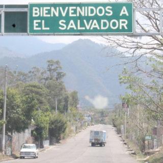 How not to travel to El Salvador  Über Stacheldraht und Vorurteile